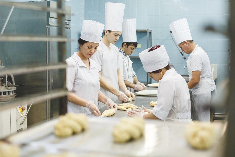 Производственный процесс: Как готовят кошерный хлеб. Изображение № 31.