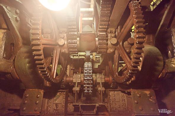 Фоторепортаж: Как разводят Дворцовый мост. Изображение № 16.