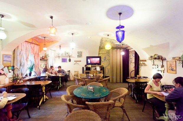 Все свои: Вегетарианское кафе наКазанской улице. Изображение №2.