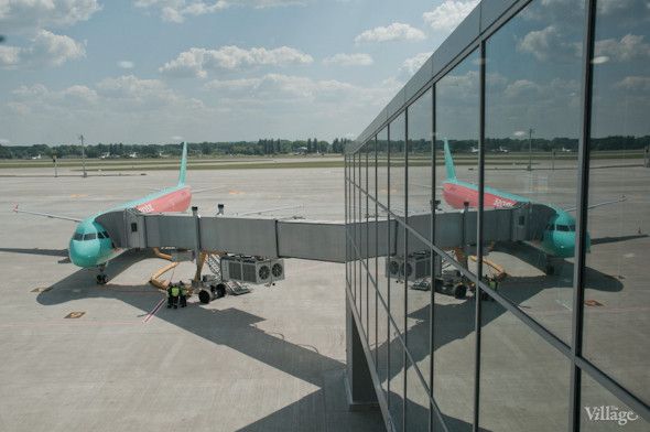 Фоторепортаж: В аэропорту Борисполь открыли самый большой на Украине терминал. Зображення № 30.