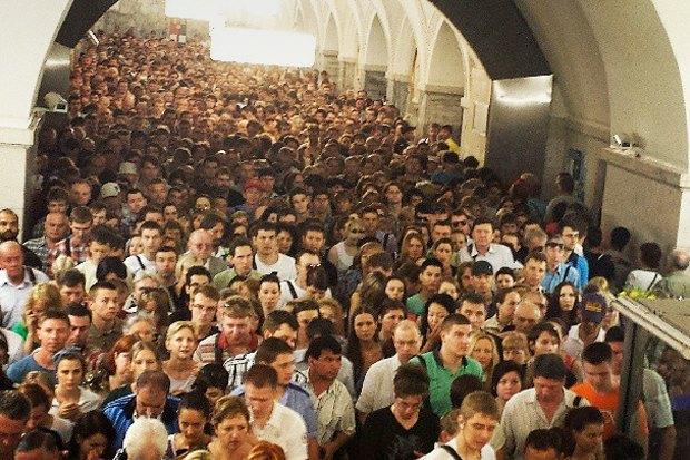 Итоги недели: Отставка мэра, коллапс в метро, платная парковка у парка Горького. Изображение № 2.