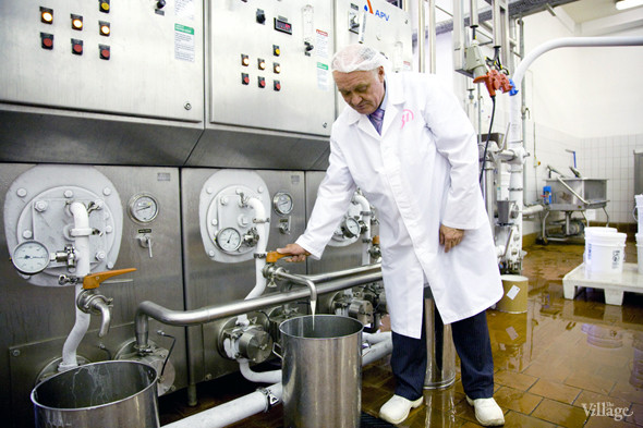 Фоторепортаж: Как делают мороженое «Баскин Роббинс». Изображение № 19.