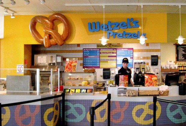 В Москве открывается американская сеть крендельных Wetzel's Pretzels. Изображение № 2.