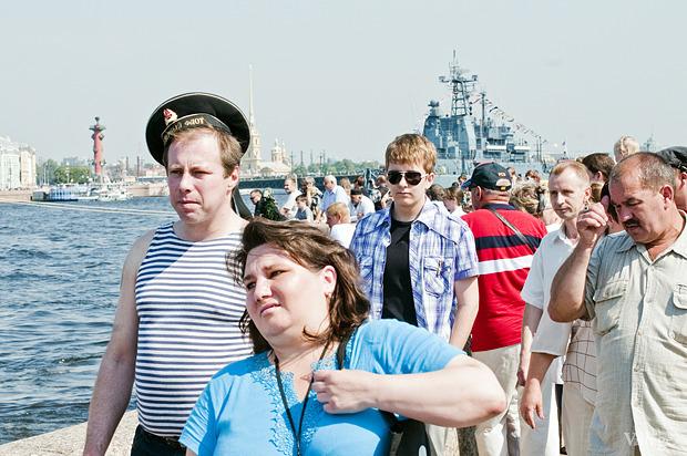 Фоторепортаж: День Военно-морского флота в Петербурге. Изображение № 11.