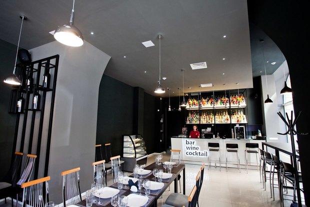 Алкогольная компания «Ладога» открыла собственный бар наПетроградской стороне . Изображение № 1.