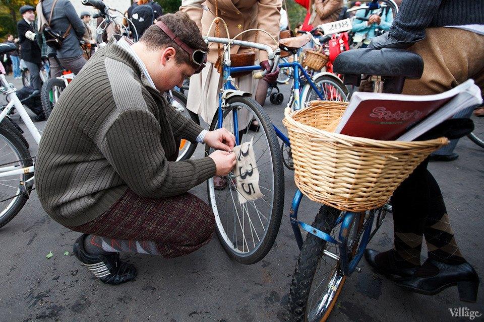 С твидом на город: Участники велопробега Tweed Ride о ретро-вещах. Изображение № 16.