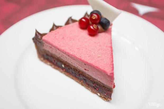 Тарталетка с шоколадом и малиной — 180 рублей. Изображение № 25.