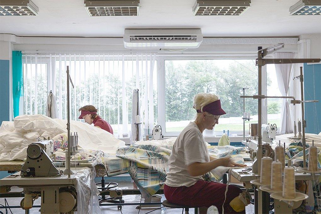 Производственный процесс: Как делают подушки. Изображение № 14.