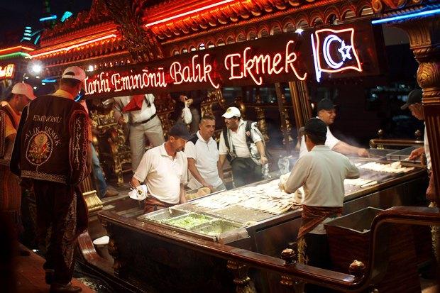 Что едят жители Нью-Йорка, Стамбула, Токио и Мадрида на улице. Изображение № 18.