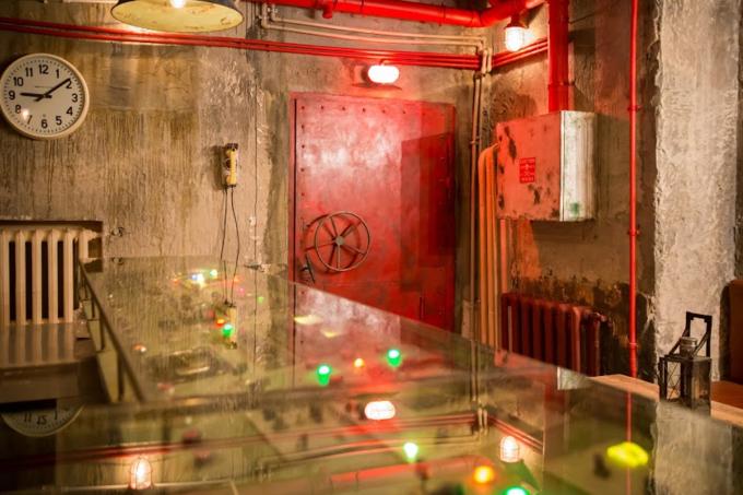 В бывшем бомбоубежище открывается бар «Kot шрёdiнгера». Изображение № 4.