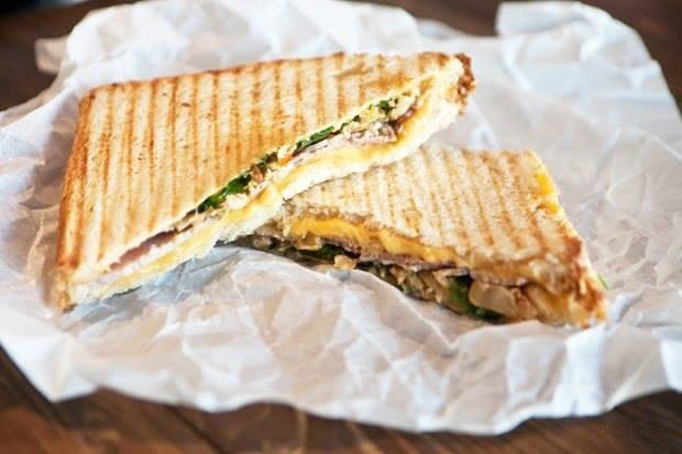 Кафе Garden, «AC/DCвТбилиси» иPrawns, киоск FruitBar ивторое «Бутербро». Изображение № 4.