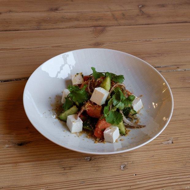 Салат из грецких орехов