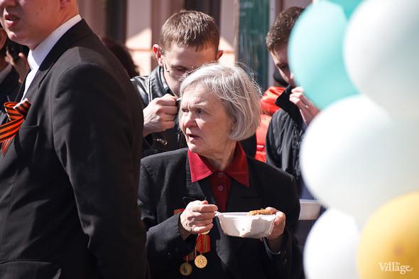 День Победы в Москве и Петербурге: Как гуляют и о чём вспоминают ветераны 9 Мая. Изображение № 64.