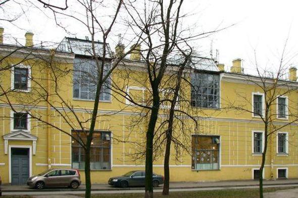 Здание Академии, во дворе которого собираются построить музей. Изображение № 3.