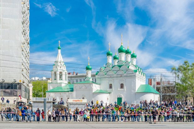 Теперь здесь церковь: Почему москвичи воюют со строителями храмов. Изображение № 1.