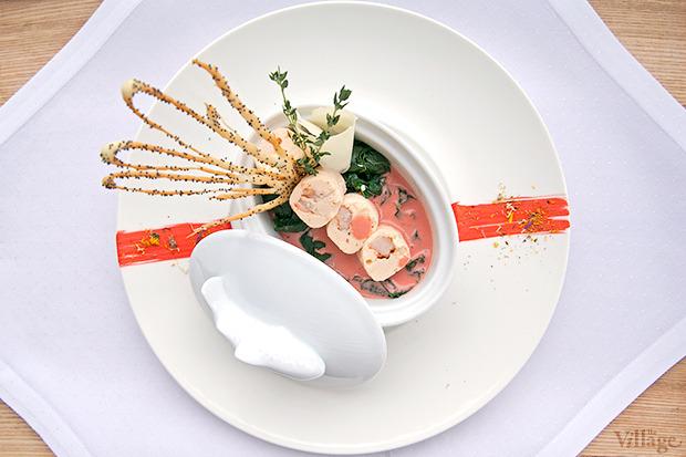 Мусс из лосося, запечённый со шпинатом под соусом «Шафран», 240 г — 99 грн.. Изображение № 22.