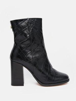 33 пары женской обуви на зиму. Изображение № 27.