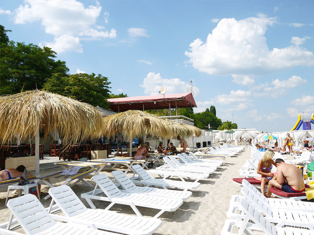 На песке: 5 пляжных клубов Одессы. Зображення № 54.