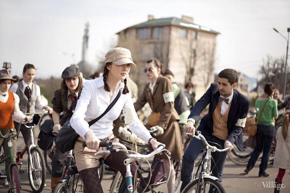 С твидом на город: Участники первого «Ретрокруиза»— о своей одежде и велосипедах. Изображение № 4.