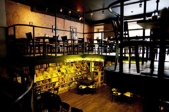 После прочтения съесть: 5 кафе при магазинах. Изображение № 26.