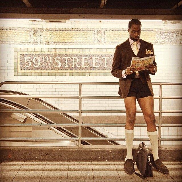 Флешмоб «В метро без штанов» в снимках Instagram. Изображение № 4.