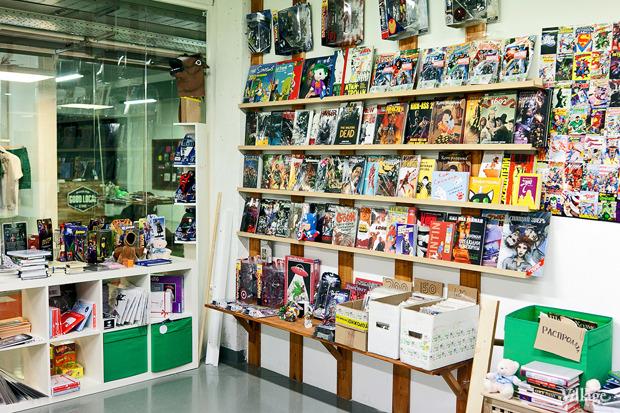Раскадровка: 6 магазинов илавок с комиксами вПетербурге. Изображение № 2.