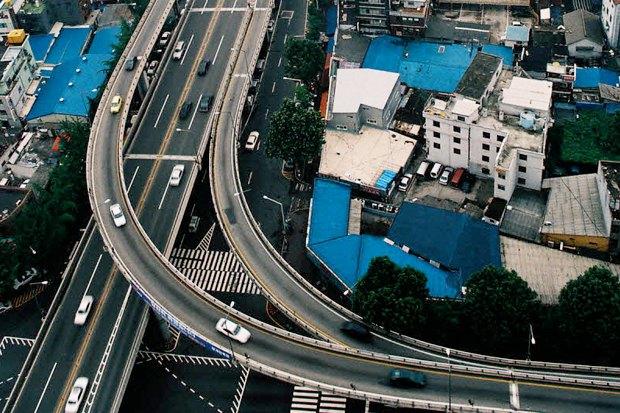 Иностранный опыт: Раскопанная река в Сеуле. Изображение № 1.