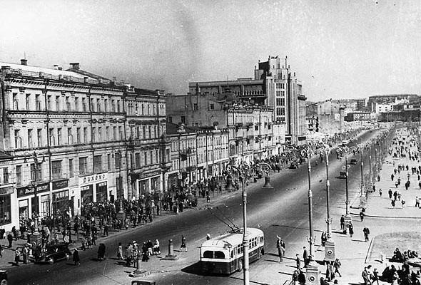 Фоторепортаж: Последний день работы киевского ЦУМа. Изображение № 44.