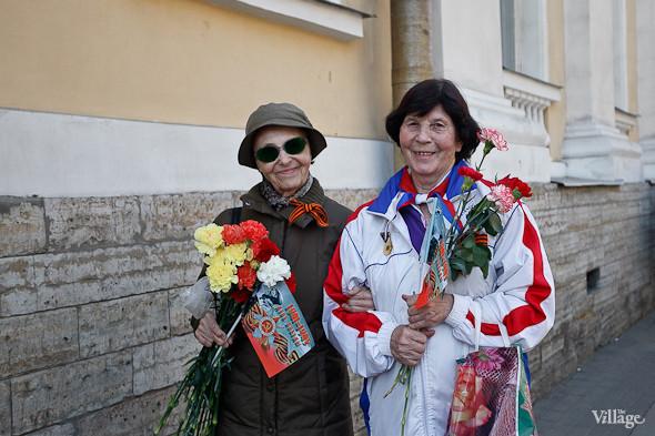 День Победы в Москве и Петербурге: Как гуляют и о чём вспоминают ветераны 9 Мая. Изображение № 70.