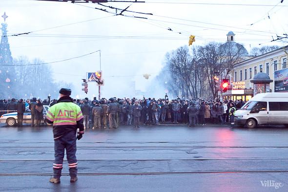 Фоторепортаж: Митинг против фальсификации выборов в Петербурге. Изображение № 34.