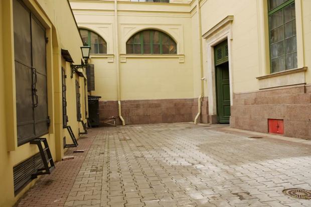Во дворах Эрмитажа будут устраивать выставки. Изображение № 11.