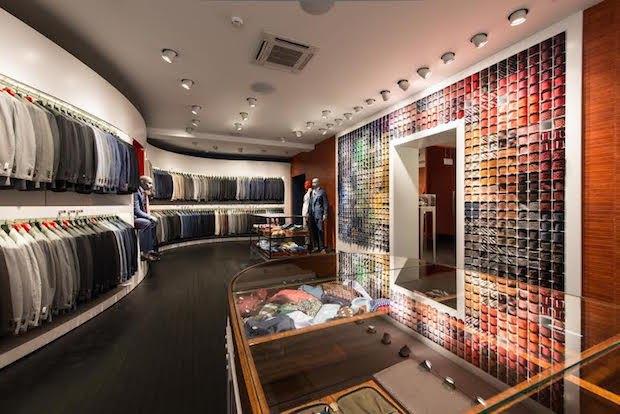 В магазине Suitsupply на «Красном Октябре» запустился сервис индивидуального пошива костюмов. Изображение № 1.