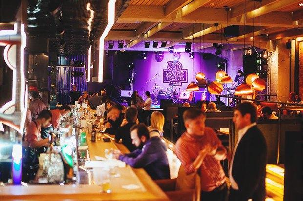 Пивной бар «Ваня нальёт», кафе «Дальнекатесы», магазин биопродуктов «Город-сад», бар «Киану». Изображение № 6.