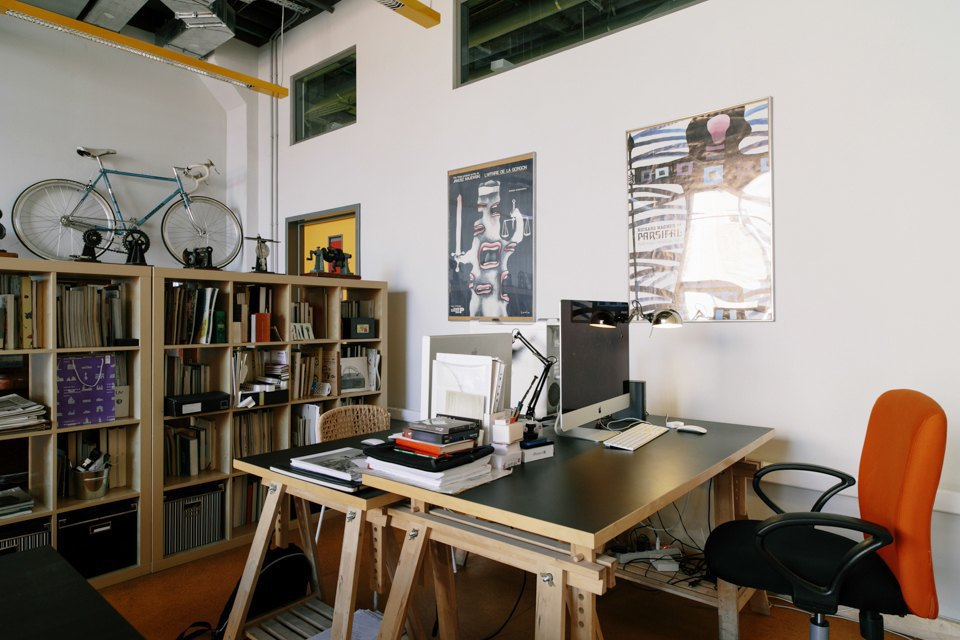 Офис дизайн-бюро «Щука» с усами на стенах. Изображение № 18.