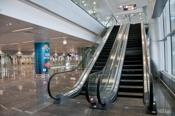 Фоторепортаж: В аэропорту Борисполь открыли самый большой на Украине терминал. Зображення № 6.