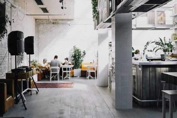 Вторая закусочная Grill &Gyros, кондитерская Katusha изавтраки от«Батона». Изображение № 10.