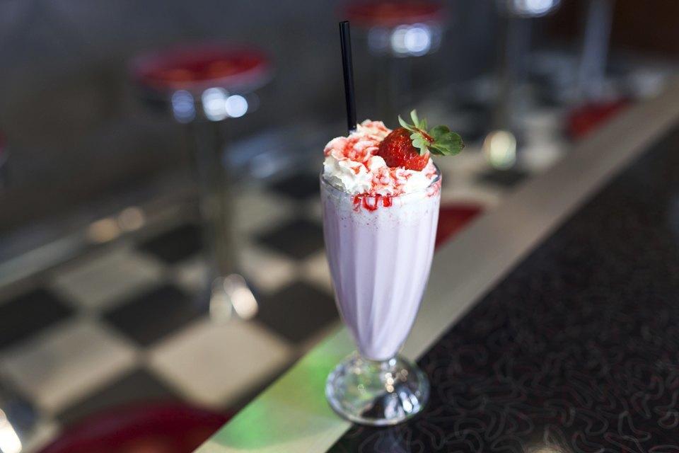 Strawberry Milkshake — 280 рублей . Изображение № 11.