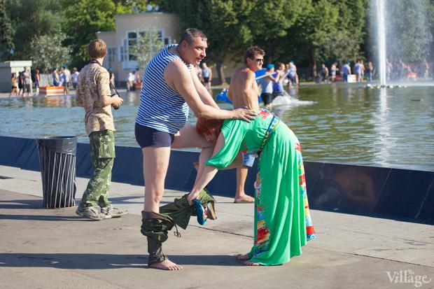 Люди в городе: Как отмечали День ВДВ в парке Горького. Изображение № 14.