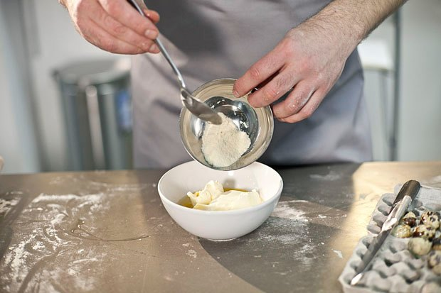 Шеф дома: Котлета из цесарки и пирог-галета Дениса Крупени. Изображение № 108.