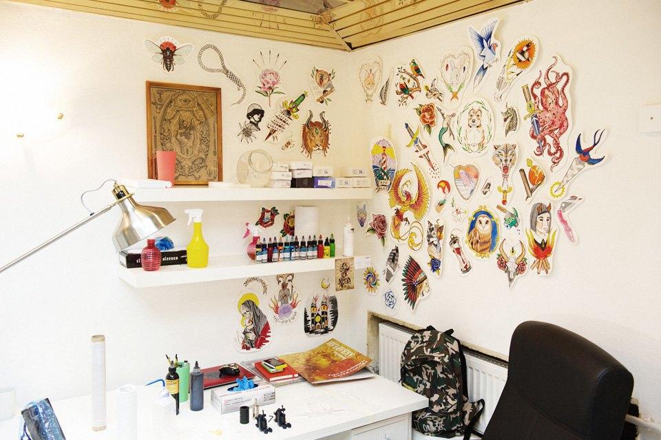 Как оставить офисную работу иоткрыть тату-студию. Изображение № 12.