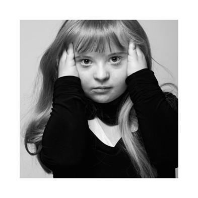 «Лица»Владимир Мишуков. «Близкие люди. Люди с синдромом дауна». Изображение № 7.