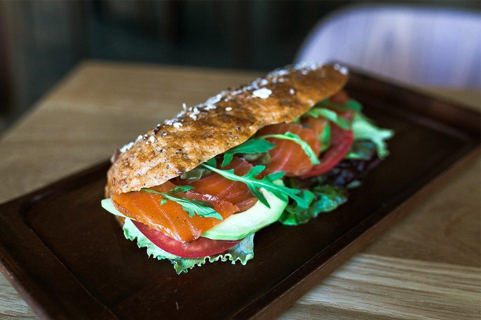Сэндвич с сёмгой — 290 рублей. Изображение № 11.