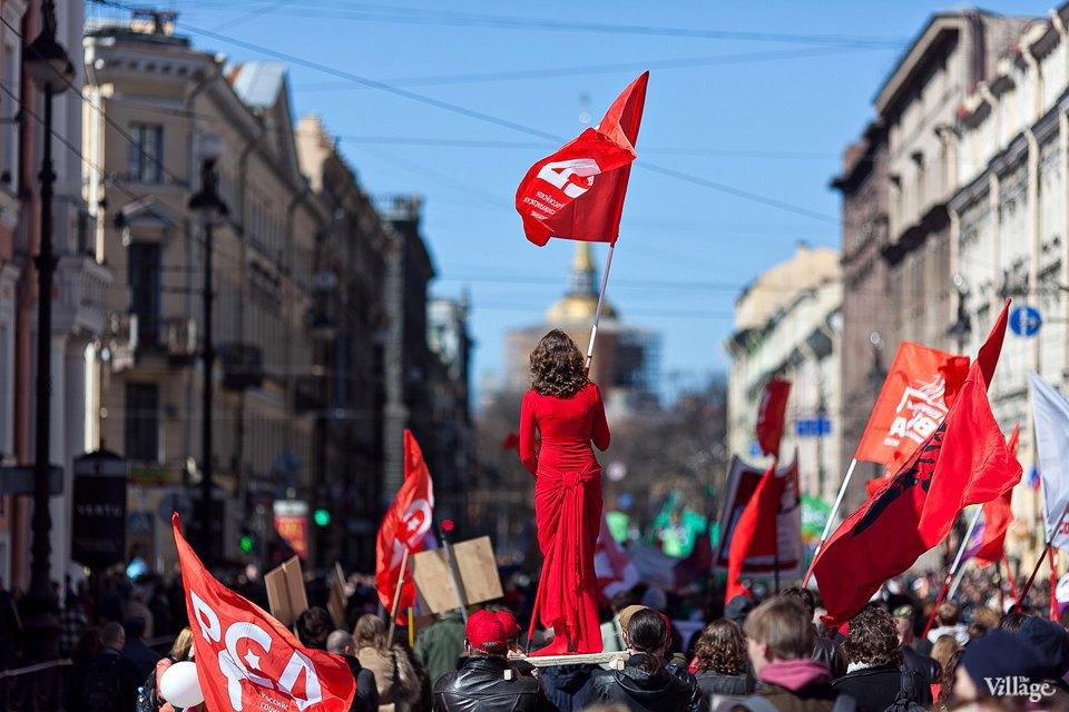 Фоторепортаж: Первомайская демонстрация. Изображение № 10.