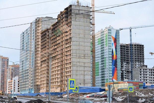 Художники расписали стену 24-этажного дома вПриморском районе. Изображение № 8.