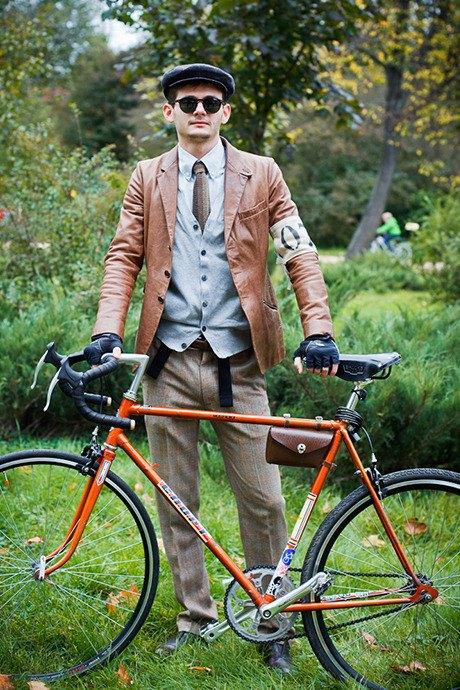 С твидом на город: Участники велопробега Tweed Ride о ретро-вещах. Изображение № 67.