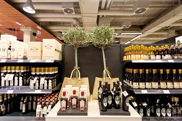 На Мечникова открылся обновлённый Good Wine. Изображение № 5.