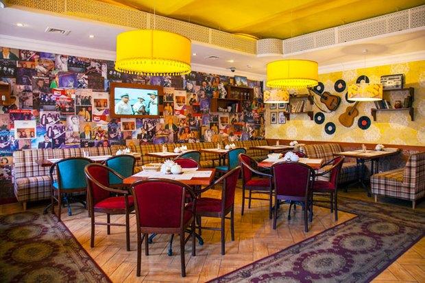 Третье кафе «Крылышко или ножка» Дмитрия Зотова, винный бар «13°» иуличная еда со всего мира в Ten. Изображение № 4.