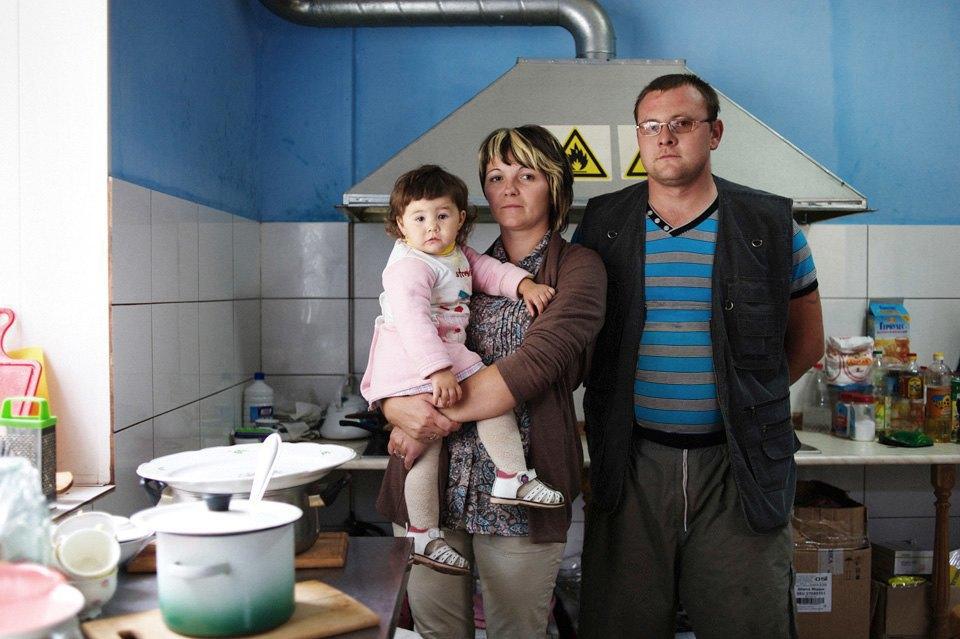 Украинские беженцы  в общежитии вПечатниках. Изображение № 6.