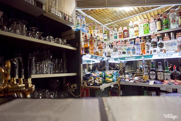 Все свои: Безымянный бар наСенной площади. Изображение № 8.