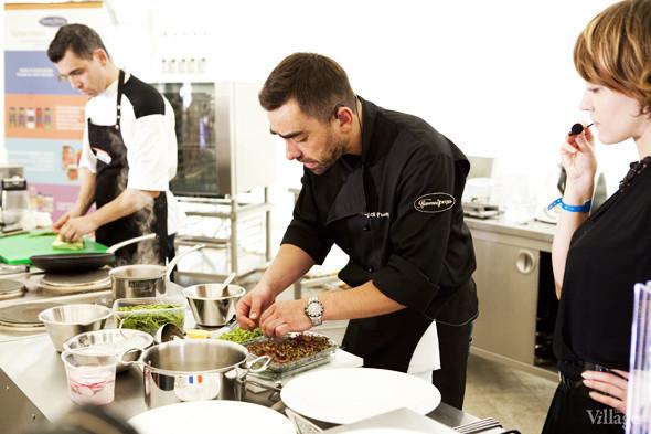 Omnivore Food Festival: Андрей Рывкин готовит карри из петуха на монастырском квасе. Изображение № 16.